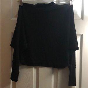 Thin sweater crop top
